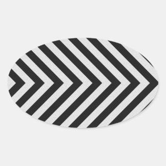 Rayas blancos y negros del peligro texturizadas pegatina ovalada
