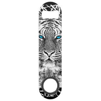 Rayas blancos y negros del tigre de los ojos