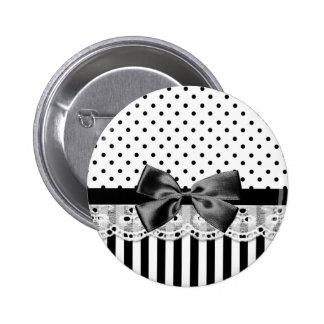 Rayas blancos y negros del Victorian con el arco Pin Redondo De 2 Pulgadas