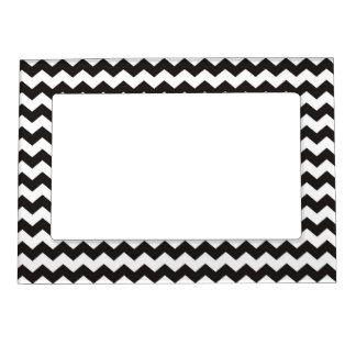 Rayas blancos y negros del zigzag del modelo marcos magnéticos