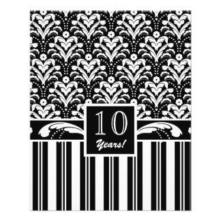 Rayas blancos y negros elegantes del damasco del a tarjeta publicitaria