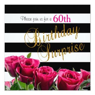 """Rayas blancos y negros elegantes y rosas rosados invitación 5.25"""" x 5.25"""""""