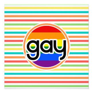 Rayas brillantes del arco iris gay invitacion personalizada