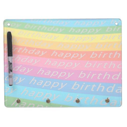 Rayas coloridas del feliz cumpleaños tableros blancos