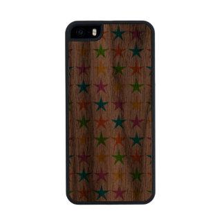 Rayas de estrellas funda de nogal carved® para iPhone 5 slim