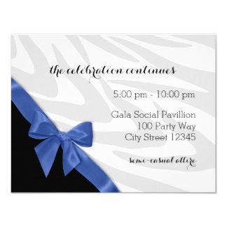 """Rayas de la cebra con la tarjeta azul de la invitación 4.25"""" x 5.5"""""""