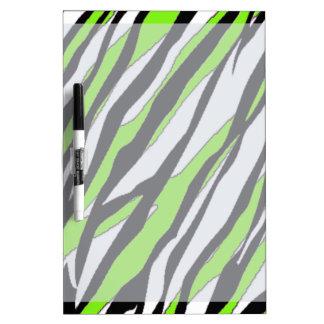 Rayas de la cebra con las rayas abstractas de la v tablero blanco