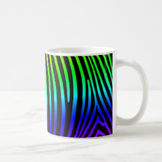 Rayas de la cebra del arco iris taza básica blanca