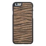 Rayas de la cebra del brillo de Brown Funda De iPhone 6 Carved® Slim De Arce
