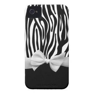 Rayas de la cebra y gráfico blancos y negros de la iPhone 4 Case-Mate fundas