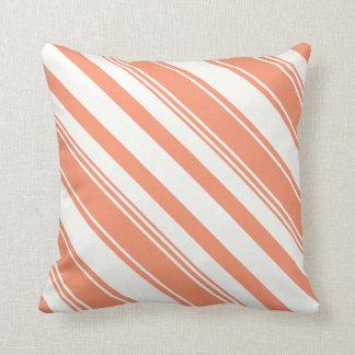 Rayas de la diagonal del naranja de cadmio cojín