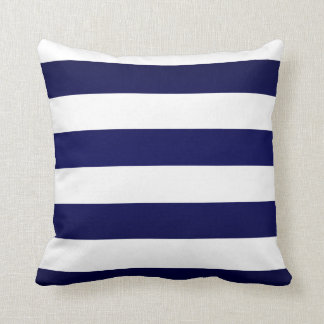 Rayas de los azules marinos y del blanco cojín