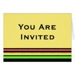 Rayas del arco iris de la invitación tarjeton