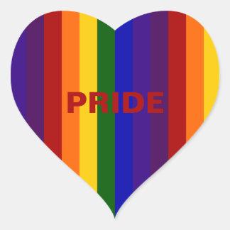 Rayas del arco iris pegatina en forma de corazón