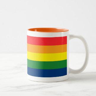 Rayas del arco iris taza de dos tonos
