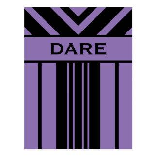 Rayas del atrevimiento y postal negras y púrpuras
