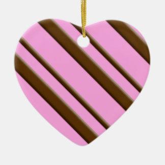 Rayas del caramelo - chocolate en rosa adorno de cerámica en forma de corazón