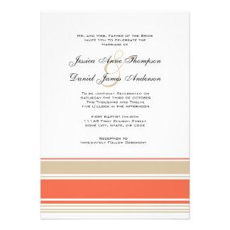 Rayas del naranja y del moreno que casan la invita invitacion personalizada