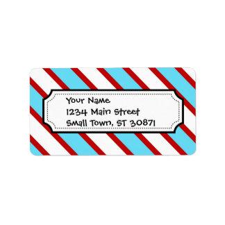 Rayas diagonales del rojo de azules turquesas de etiquetas de dirección