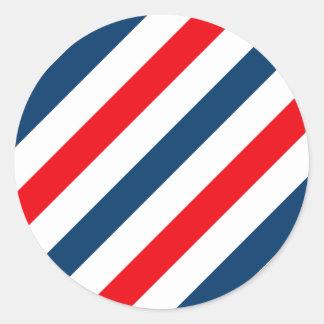 Rayas diagonales tricoloras (azul, blanco, y rojo) pegatina redonda