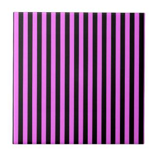 Rayas finas - negro y ultra rosa azulejo cuadrado pequeño