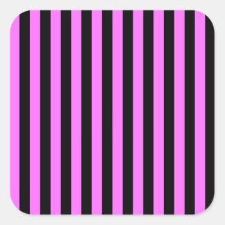 Rayas finas - negro y ultra rosa pegatina cuadrada