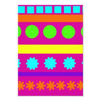 Rayas geométricas coloridas de las formas de invitación 12,7 x 17,8 cm
