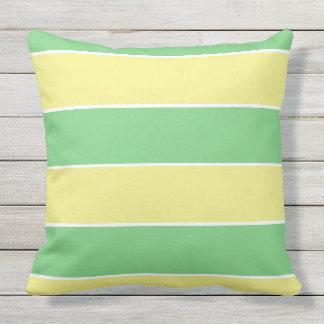 rayas grandes en colores pastel verdes y amarillas cojín
