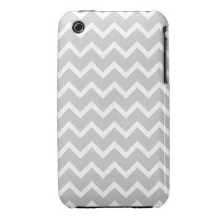 Rayas grises y blancas del zigzag iPhone 3 Case-Mate cárcasas