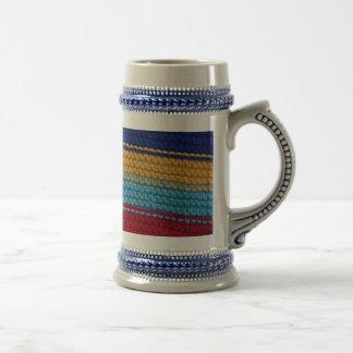 Rayas hechas punto coloridas taza