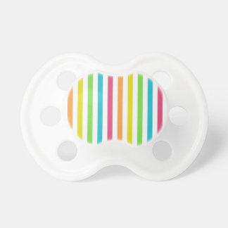 Rayas multicoloras elegantes chupete de bebé
