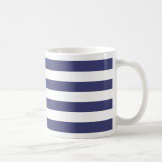 Rayas náuticas de los azules marinos y del blanco tazas