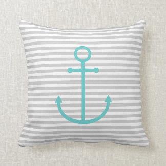 Rayas náuticas del gris y de la turquesa y ancla almohada
