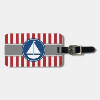 Rayas náuticas rojas del velero etiqueta para maleta
