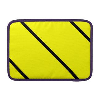Rayas negras en amarillo fundas para macbook air