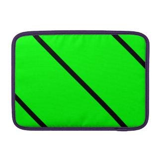 Rayas negras en el verde de neón fundas para macbook air