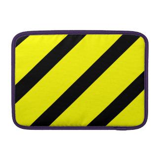 Rayas negras y amarillas funda  MacBook
