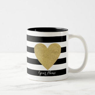 Rayas negras y blancas con el corazón de la hoja taza de café de dos colores