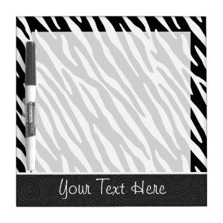 Rayas negras y blancas de la cebra tablero blanco