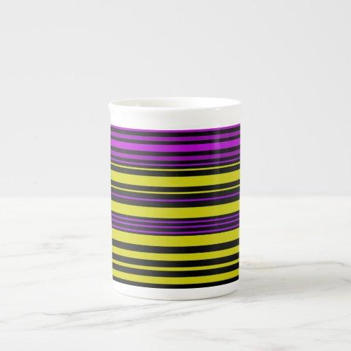 Rayas negras y púrpuras del oro taza de porcelana