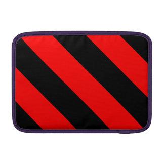 Rayas negras y rojas del peluquero fundas macbook air