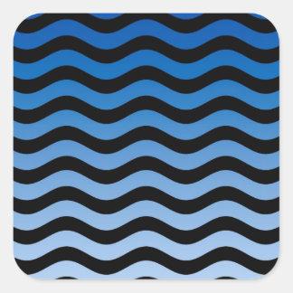 Rayas onduladas de las tonalidades azules calcomanías cuadradas personalizadas