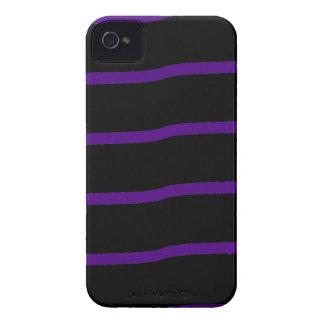 Rayas onduladas negras y púrpuras iPhone 4 carcasa