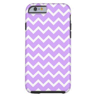 Rayas púrpuras y blancas del zigzag funda para iPhone 6 tough