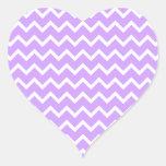 Rayas púrpuras y blancas del zigzag pegatinas de corazon