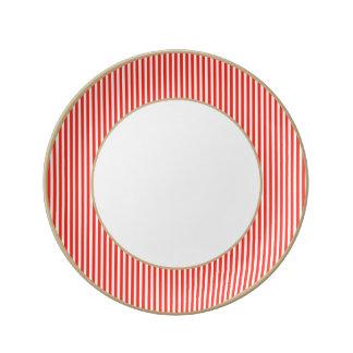 Rayas rojas y blancas del circo de la cabaña plato de cerámica