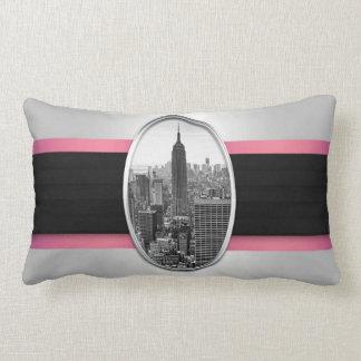 Rayas rosadas blancas del Empire State Building Cojines