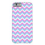 Rayas rosadas y azules del zigzag de Chevron Funda De iPhone 6 Barely There
