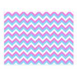 Rayas rosadas y azules del zigzag de Chevron Tarjetas Postales