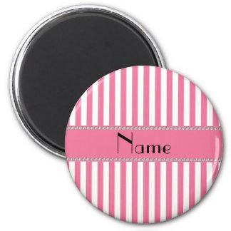 Rayas rosadas y blancas conocidas personalizadas imán redondo 5 cm